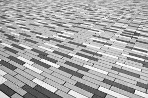 pflastersteine auf betonplatte 300x200 - Wie verlegt man Pflastersteine?