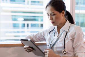 ursachen knochenkrebs 300x200 - Knochenkrebs: Was sind die Ursachen, Symptome und Behandlungen?