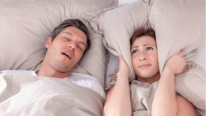 Schnarchen: Was sind die Ursachen und Symptome