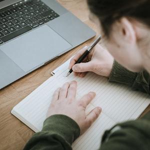 Wie setzt man am besten Kontrollkästchen in ein Word Dokument?
