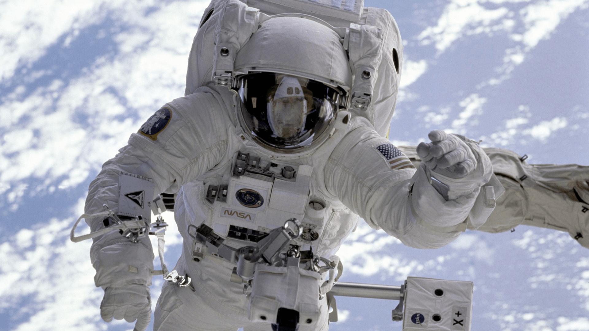 Wie gehen die Astronauten auf die Toilette