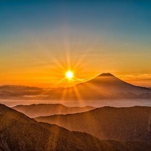 sonne stern 300x300 - Die Sonne: Wann und wie wird unser Stern sterben?