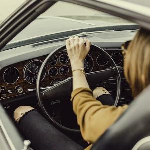 Was sind die Vor- und Nachteile des Autos ohne Führerschein?