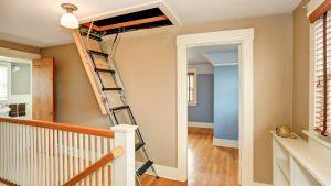 Wie montiere ich eine Dachbodentreppe?