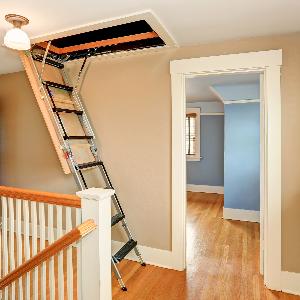 dachbodentreppe 300x300 - Wie montiere ich eine Dachbodentreppe?