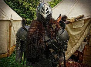 ausrustung ritters mittelalter 300x222 - Mittelalter: Woraus bestand eine Ritterrüstung?