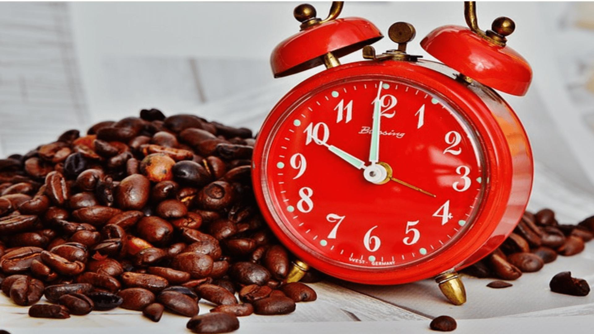 Kaffeetrinken am Abend verschiebt die innere Uhr um 40 Minuten