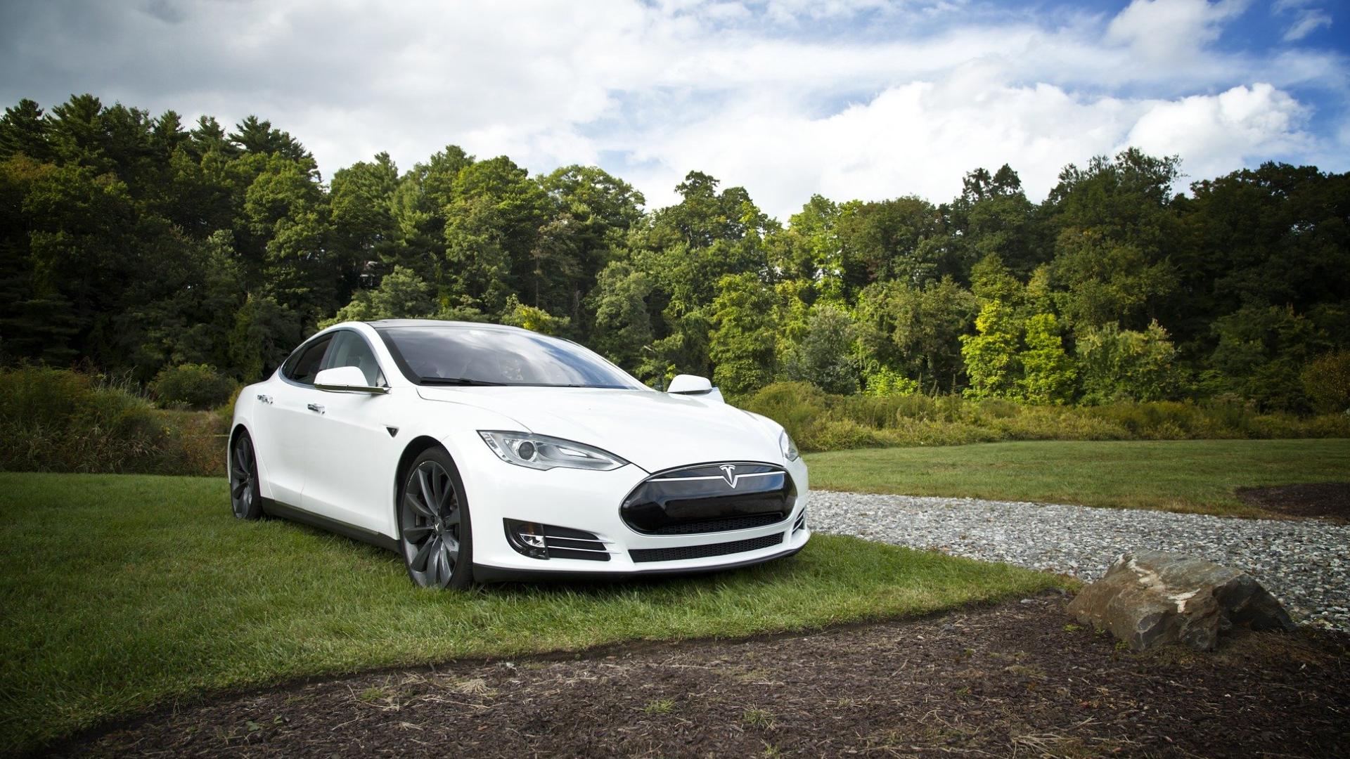 Fahrerassistenzsysteme von autonomen Autos reagieren auch auf Bilder