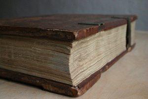 gutenberg vater typografie 300x200 - Gutenberg und die Erfindung des Buchdrucks