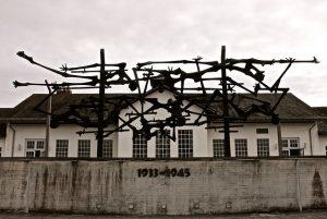 ursprunge kristallnacht 300x201 - Was geschah in der Reichspogromnacht?