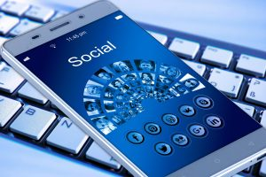 was sind die besten smartphone apps 300x200 - Was sind die besten Lern Apps, um sich weiterzubilden?