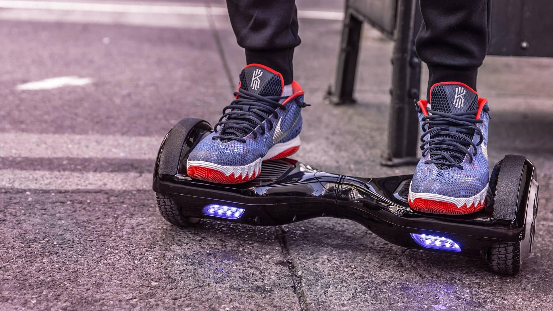 Fortbewegungsmittel der Zukunft: Hoverboard, Elektroroller und Scooter