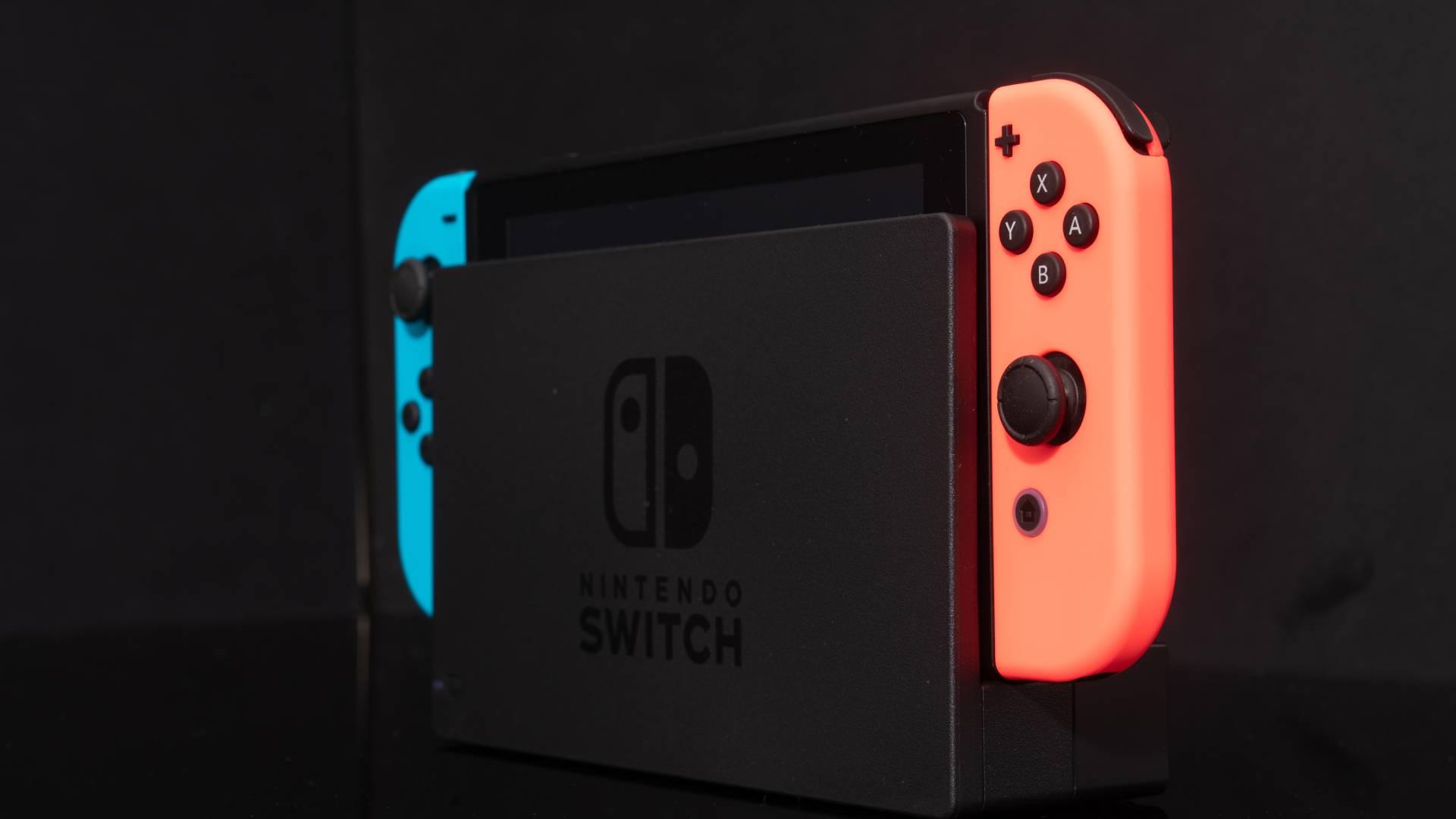"""""""Joy-Con Drift"""": Repariere den Nintendo Switch-Controller mit einem Stück Pappe!"""