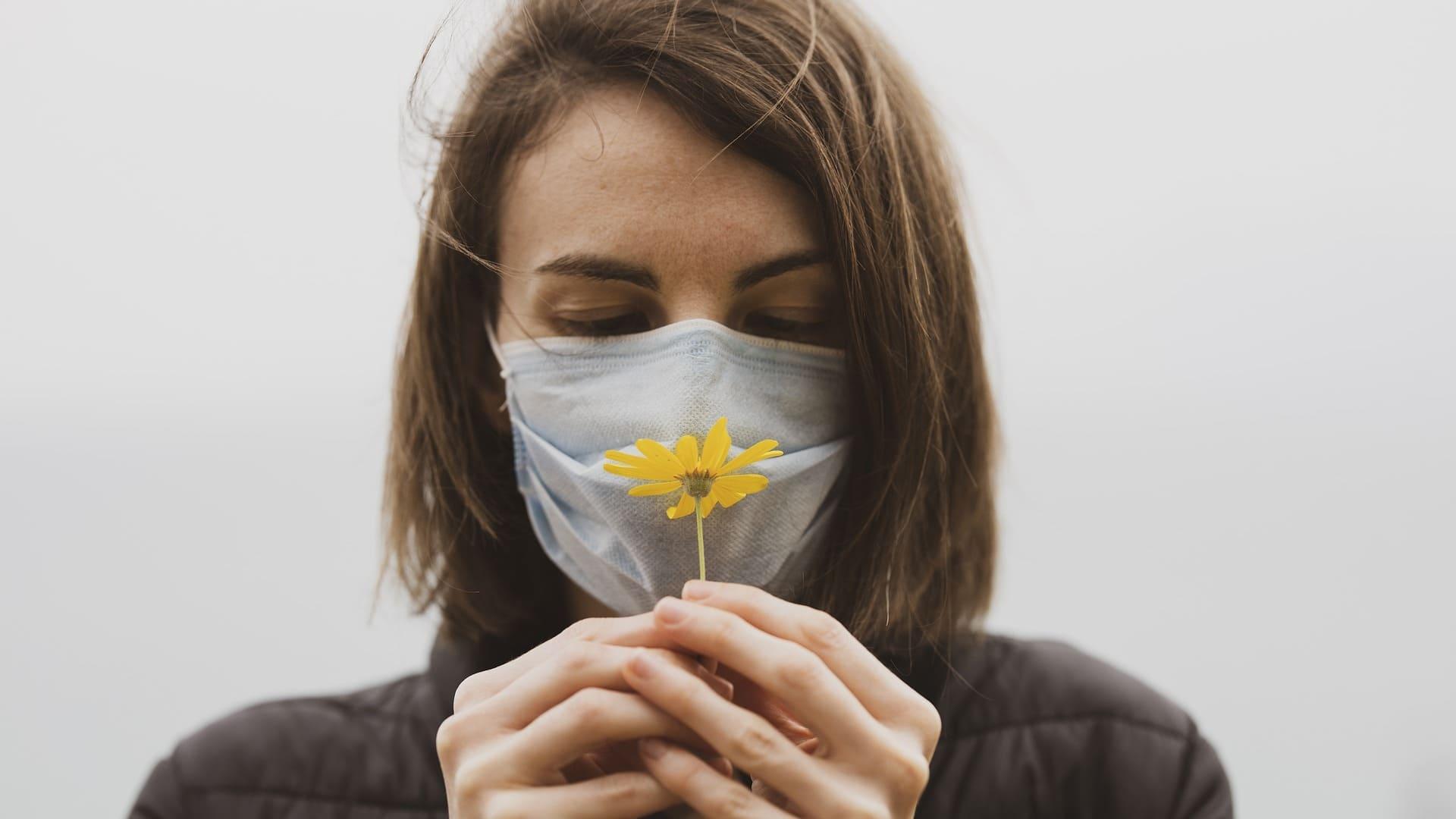 Covid-19: Wie kann man seinen Geruchssinn wiedererlangen?