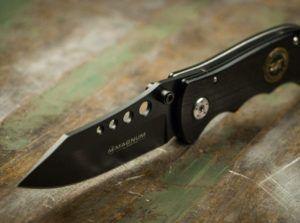 Définir le couteau de survie pliant Boker 01MB856 ?
