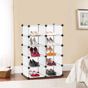 Un meuble à chaussures à cubes dans un comparatif gagnant