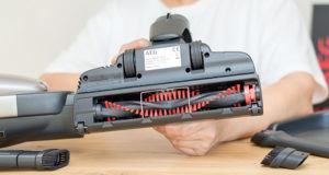 Comment utiliser facilement un aspirateur balai dans un comparatif?