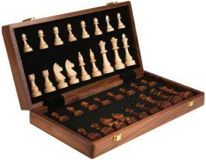 Descriptif du jeu d'échecs Boloi dans un comparatif