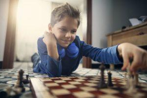 Quels sont les plus grands avantages d'un jeu de stratégie dans un comparatif ?