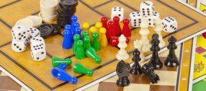 Les règles d'un jeu de société dans un comparatif