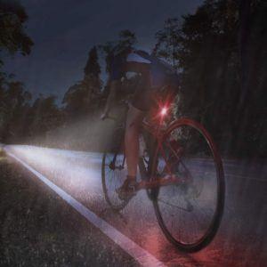 Test de niveau de luminosité d'un éclairage vélo
