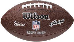 Un ballon de foot américain dans un comparatif gagnant