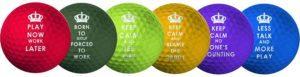 La couleur d'une balle de golf dans un comparatif
