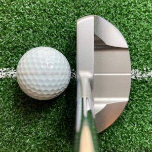 Comment fonctionne une balle de golf exactement ?
