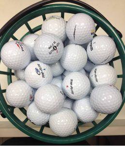 Le nombre de balles de golf dans le set dans un comparatif gagnant
