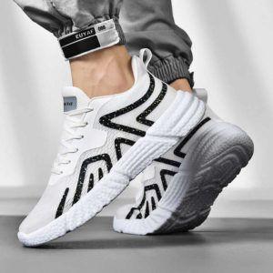 La hauteur de la semelle d'une chaussure de running dans un comparatif gagnant