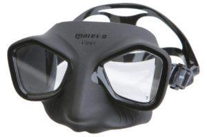 Un masque de plongée pour la chasse et pour l'apnée dans un comparatif