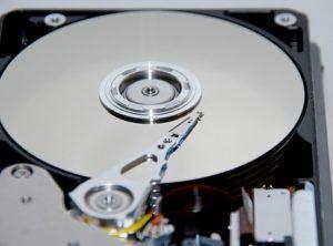 Comment fonctionne un disque dur exactement ?