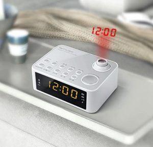 Qu'est-ce qu'un radio réveil à horloge atomique ?