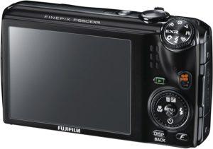 Un appareil photo numérique bridge dans un comparatif