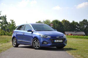 Qu'est-ce qu'une Hyundai i20 exactement dans un comparatif?